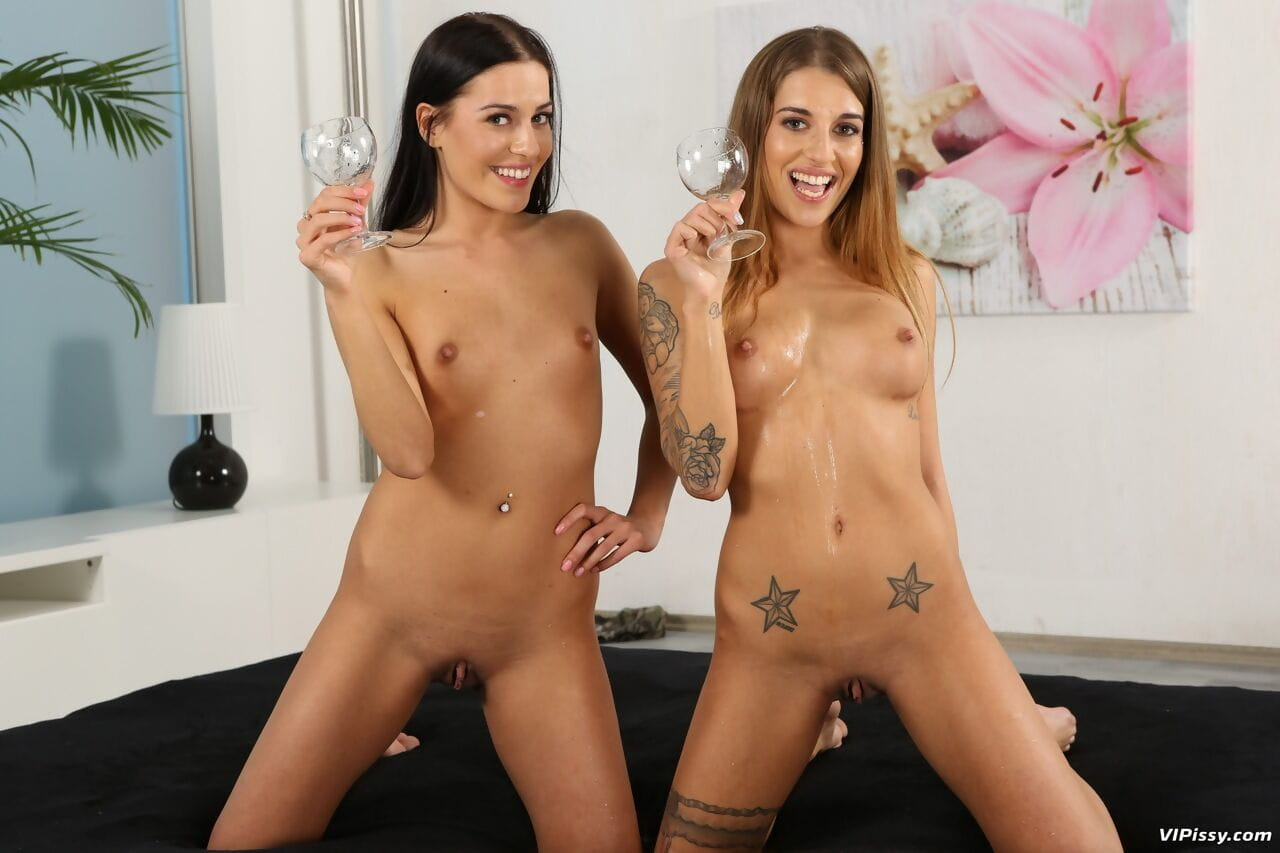 Gorgeous best friends Doroty & Silvia enoy a wet piss drinking threesome page 1