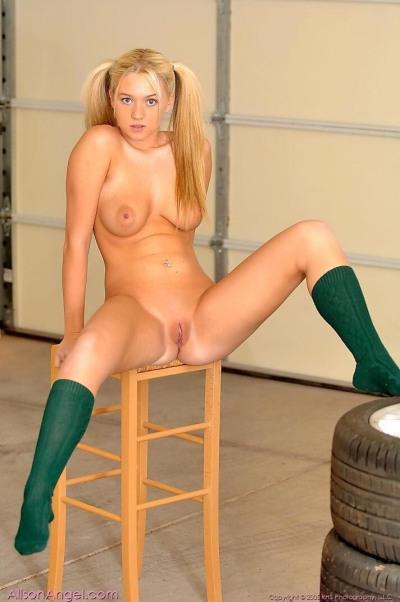 Alison Angel  nackt